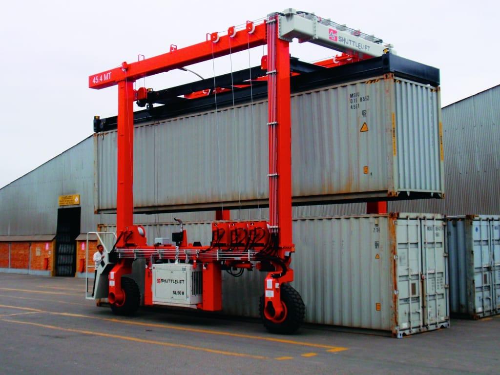 Large Material Handling Crane for Exterior Transport
