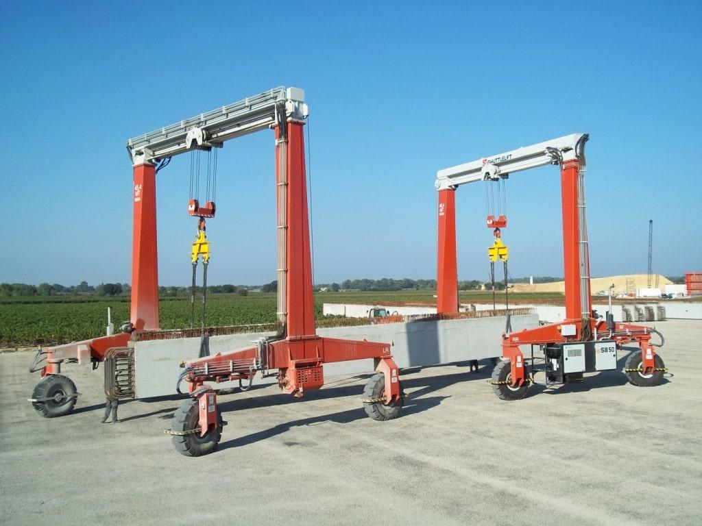 Best Mobile Gantry Crane Transporting Concrete Together