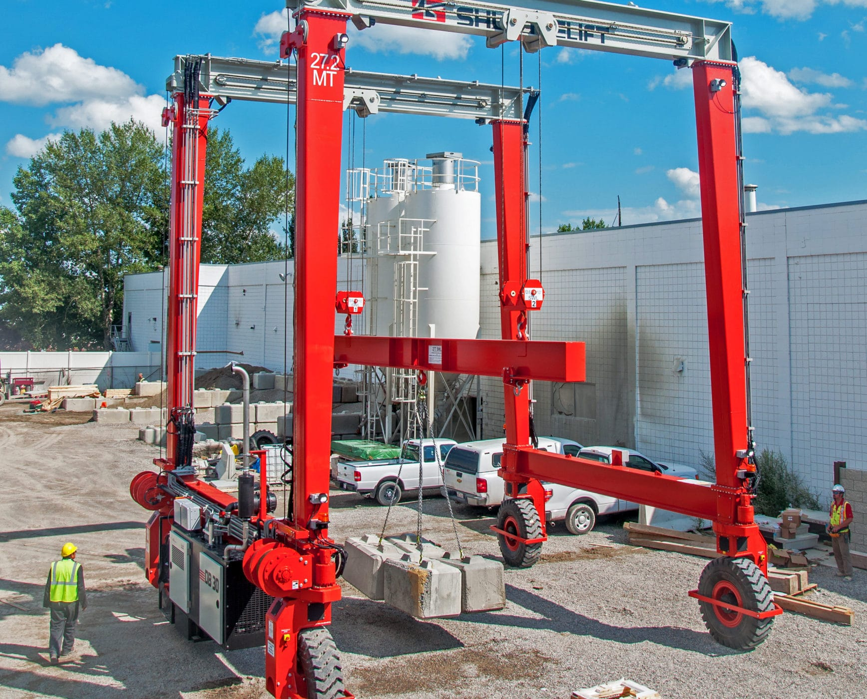 Shuttlelift DB 30 mobile gantry crane with custom spreader