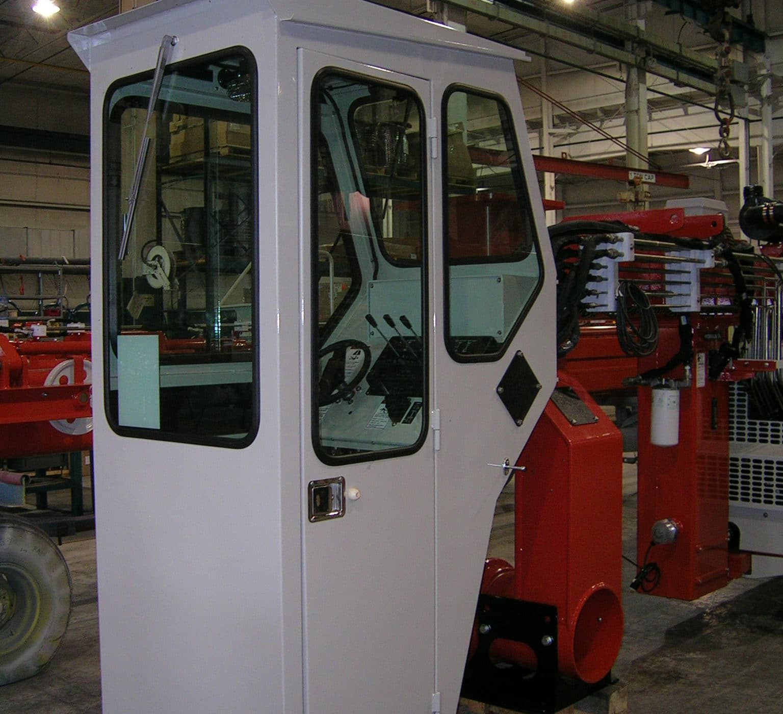Shuttlelift crane cab with air conditioning and heat