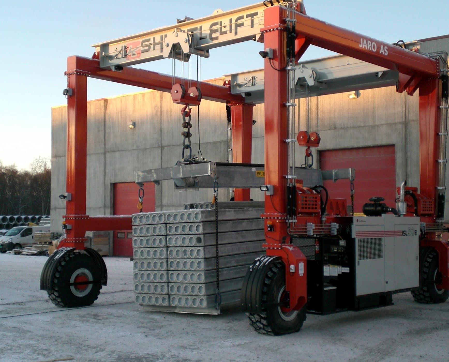 Shuttlelift ISL50 RTG Lifting Concrete