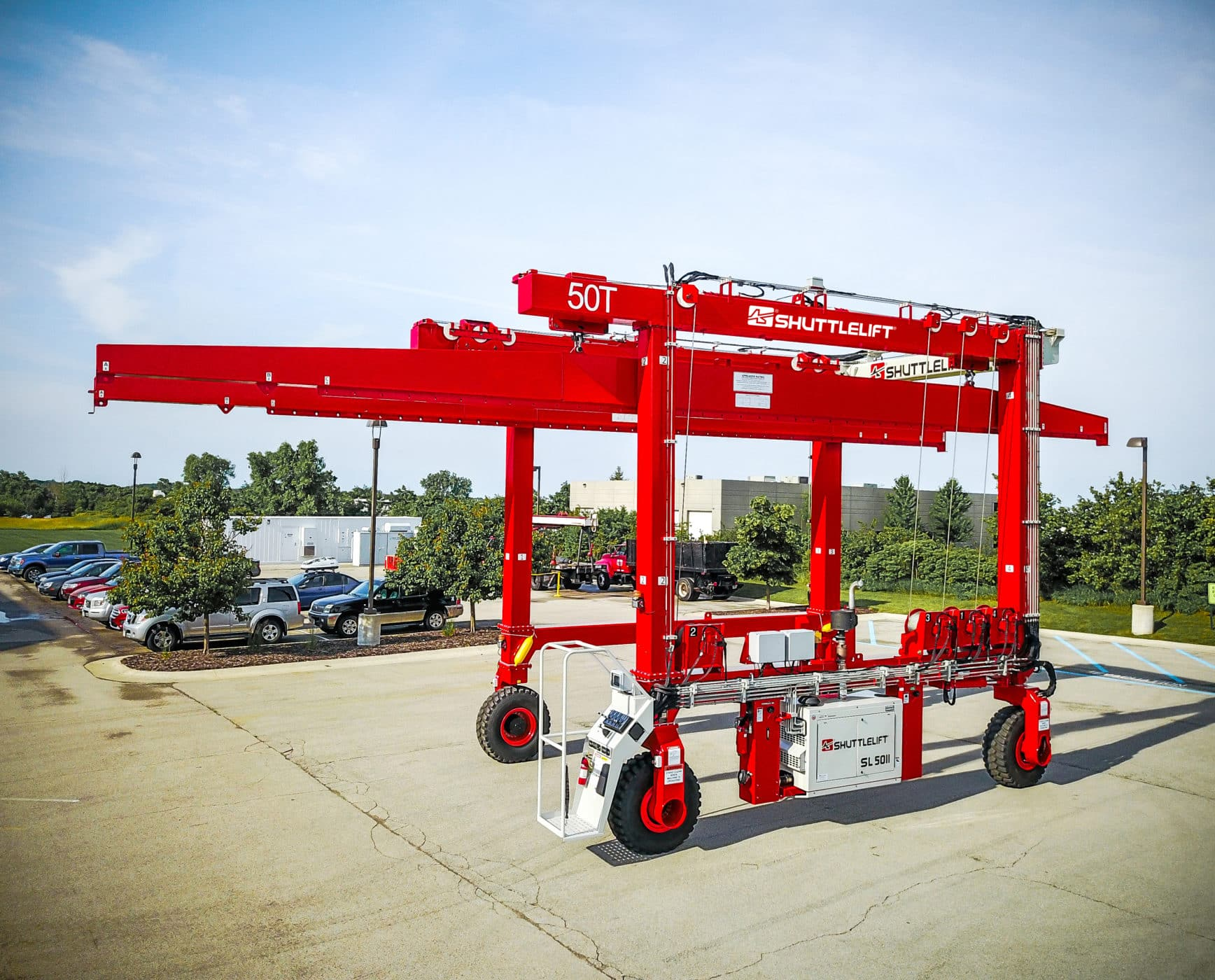 Shuttlelift SL75II with custom spreader bars