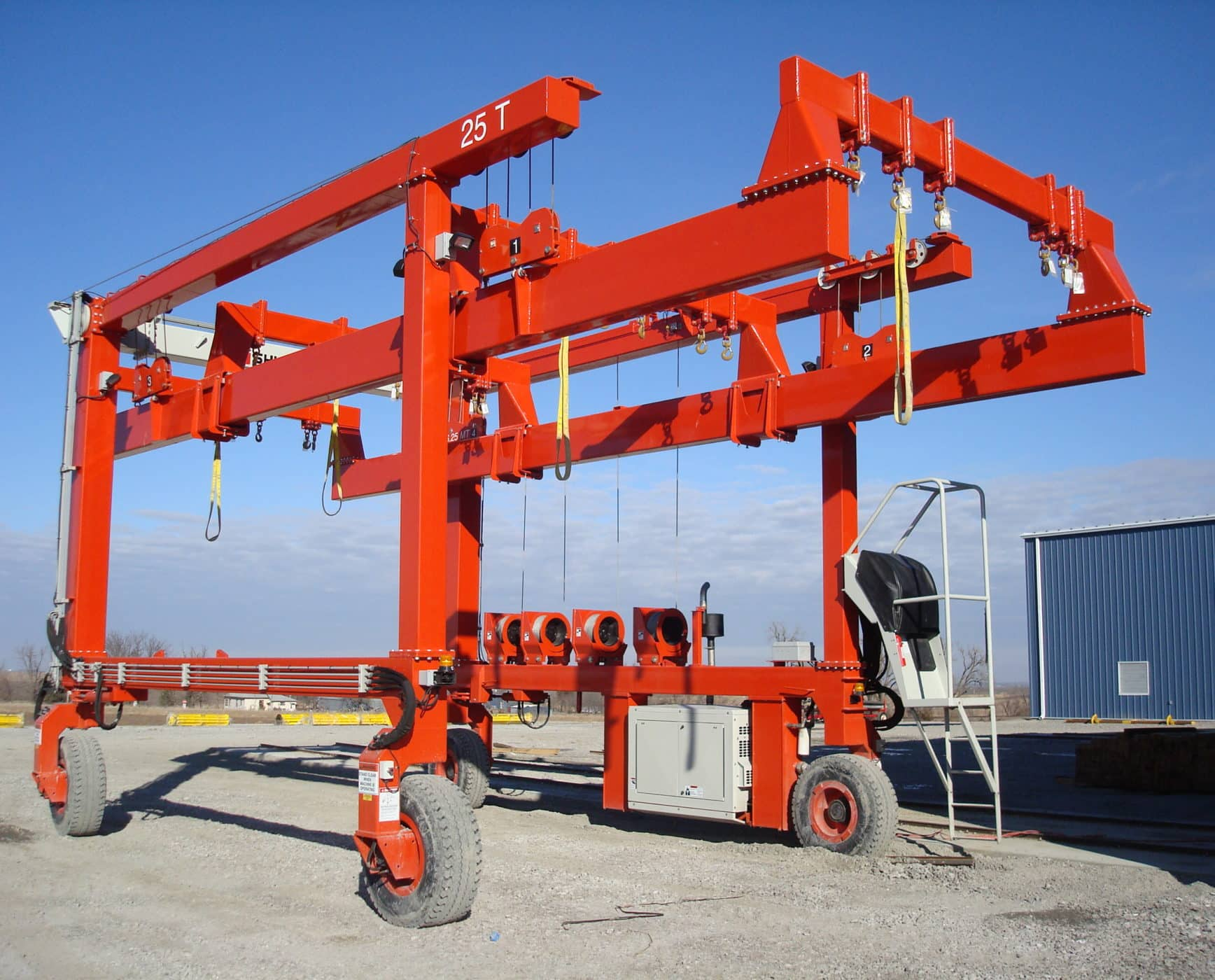 Large Crane with Spreaders for Lifting
