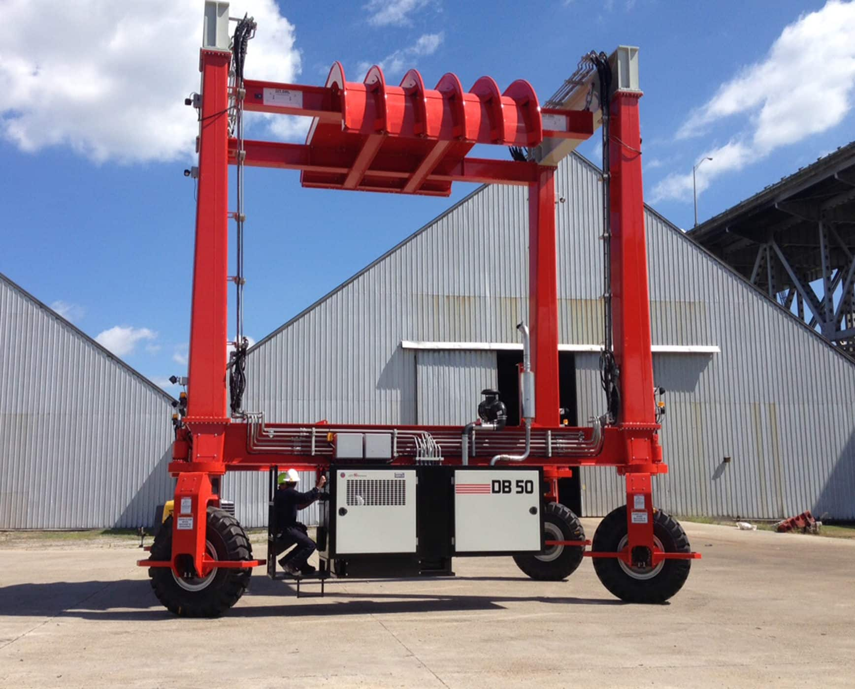 DB50 Mobile Gantry Crane with Spreader