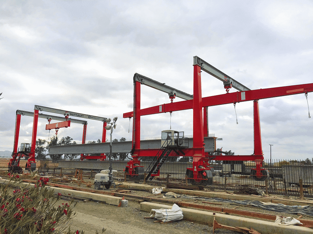 gantry crane with spreaders